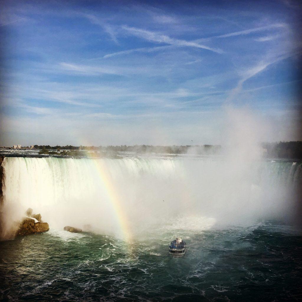 Arc en ciel sur les chutes du Niagara