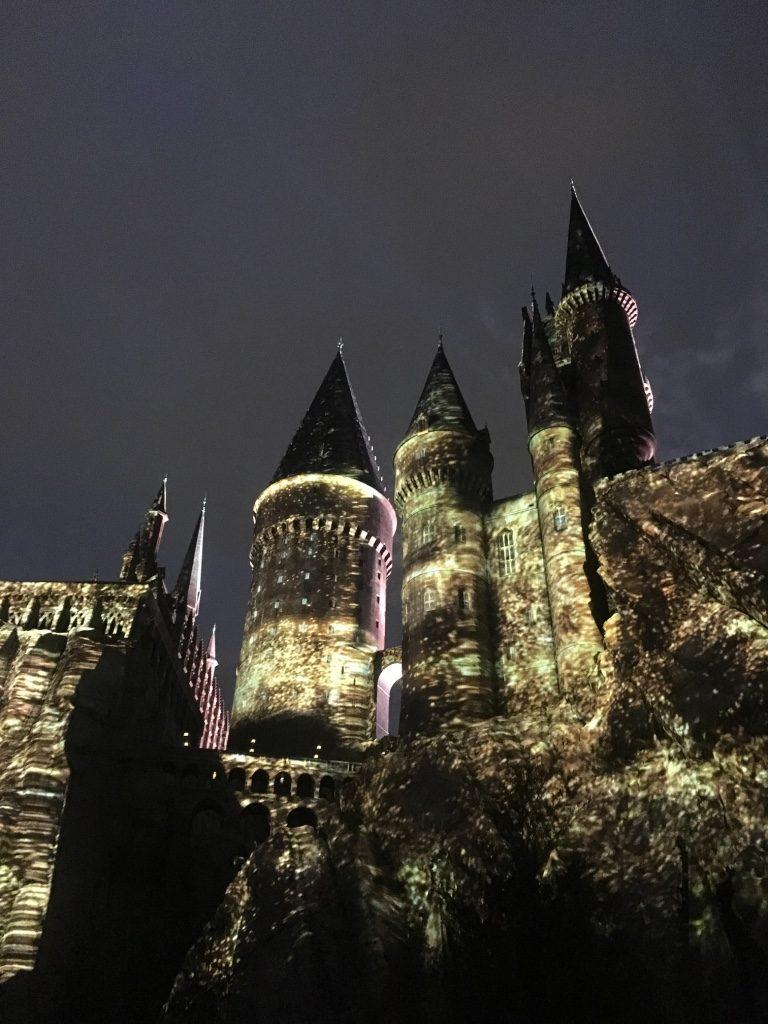 illuminations du château de poudlard à universal studio à orlando en Floride