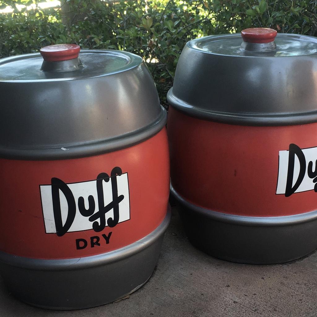 fûts de bière duff aux parcs universal studio à orlando en floride